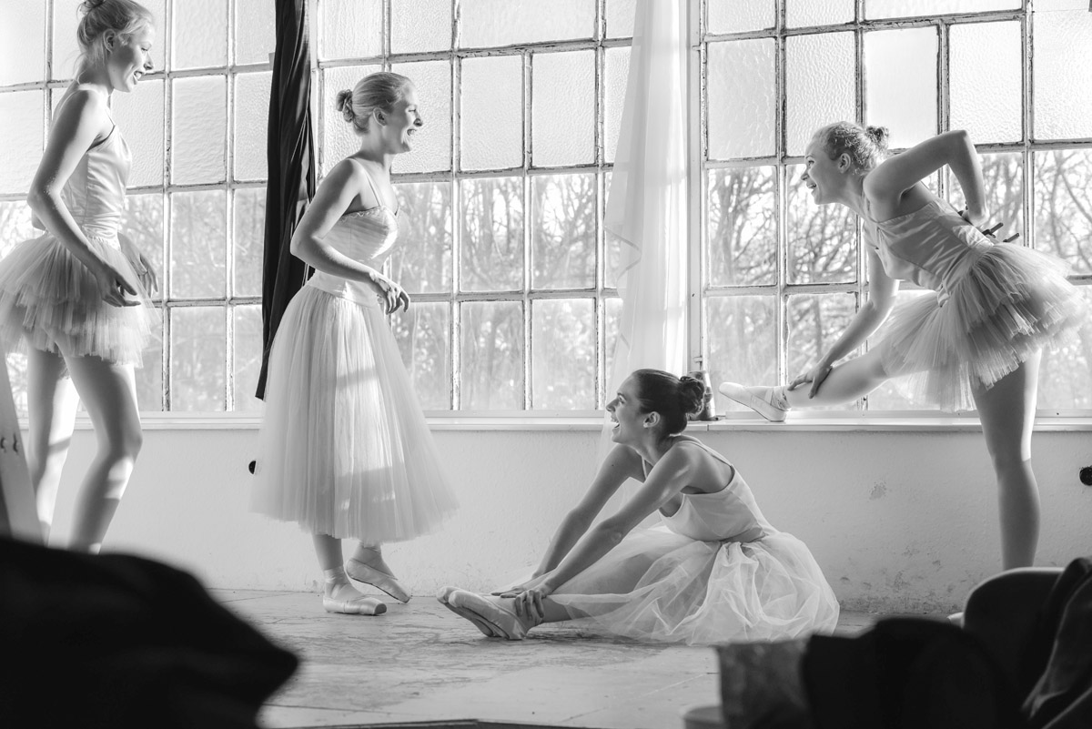 Ballet Dressing with young Ballet Dancers by Peter Mueller Photography 3