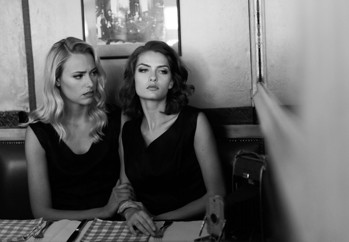 Paris Female couple Editorial - nouvelle Romance homage by Peter Mueller Photography 1