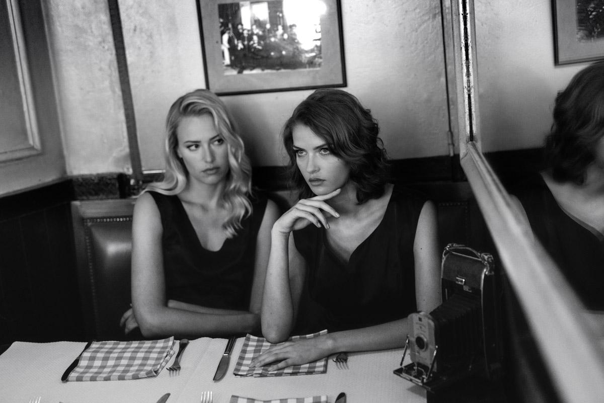 Paris Female couple Editorial - nouvelle Romance homage by Peter Mueller Photography 2
