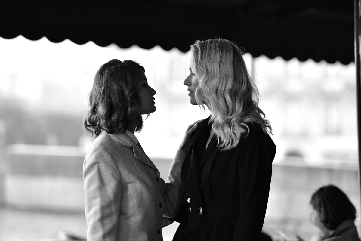 Paris Female couple Editorial - nouvelle Romance homage by Peter Mueller Photography 21