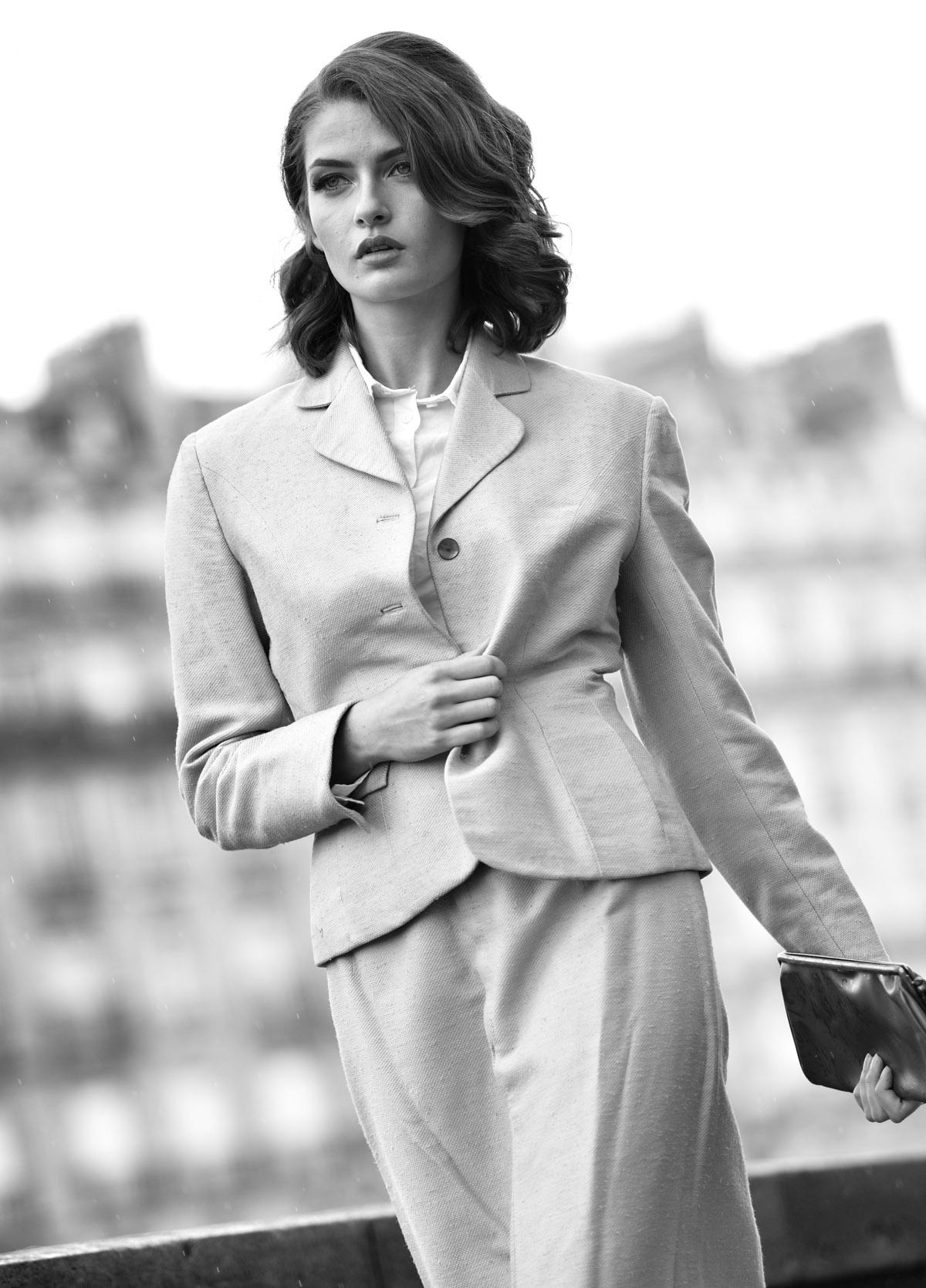Paris Female couple Editorial - nouvelle Romance homage by Peter Mueller Photography 3