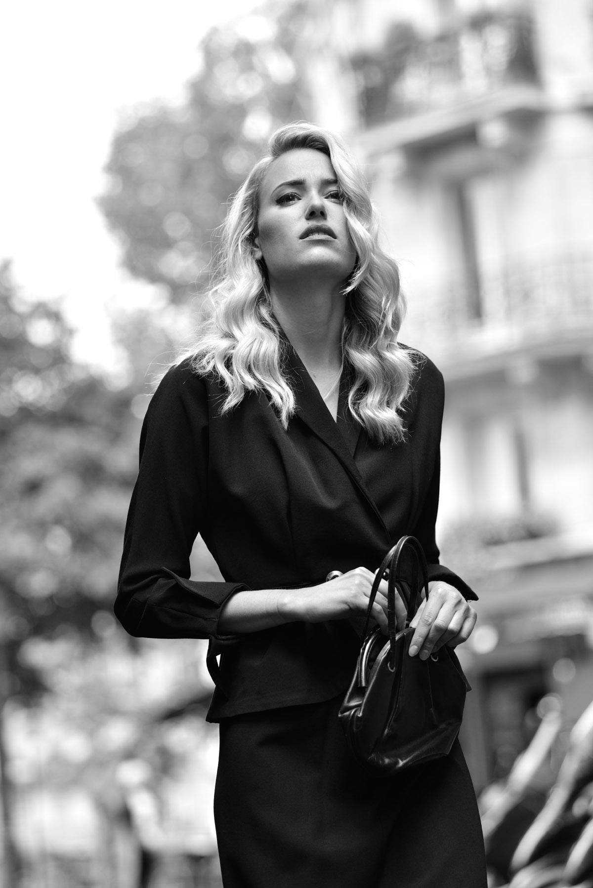 Paris Female couple Editorial - nouvelle Romance homage by Peter Mueller Photography 9